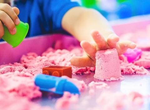 b41d34d415b6 Kinetický piesok pre deti v 1-2kg balení