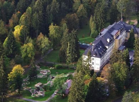 0bbe448122797 Pobyt pre celú rodinu v Rajeckých Tepliciach v hoteli Skalka*** so zľavou do