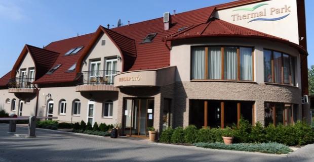 Dokonalý relax v maďarskom meste Eger s termálnymi bazénmi, polpenziou a wellness. Užite si všetko, čo vám Thermál Park Hotel ponúka.