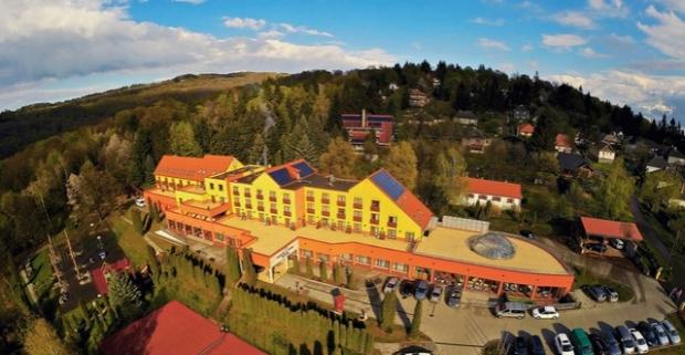 Sever Maďarska je známy svojimi vinicami i peknou prírodou. Práve tam v malom mestečku Mátraszentimre, nájdete 4* Hotel Narad & Park.