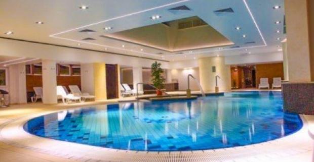 Doprajte si oddych v kúpeľnom meste Hevíz s termálnym jazerom. V 4* hoteli Palace vás čaká bohatá polpenzia a neobmedzený wellness.