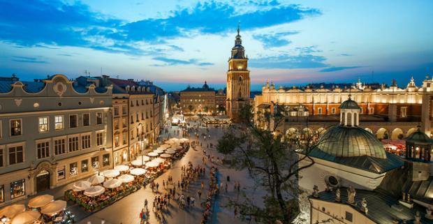 Vydajte sa za pamiatkami do jedného z najkrajších poľských miest do Krakova. Ubytovanie s raňajkami vám poskytne hotel Petrus***.