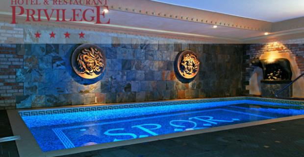 Užite si všetky rímske pôžitky na jednom mieste! Relax počas luxusného pobytu v najväčších rímskych kúpeľoch S.P.Q.R. v Košiciach.