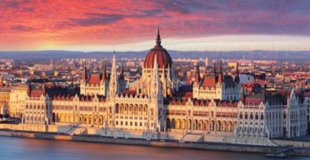 Spoznajte krásy Budapešti-mesta s 3 zápismy v Unesco. Ubytovanie v 3* Pólus na 3 dni s raňajkami a bazénom neobmedzene.