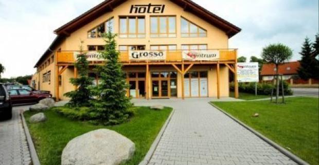 Vydajte sa stráviť dovolenku do pokojného hotela S-centrum *** v Benešove pri Prahe. Čaká vás bohatá polpenzia a vstup do wellness.