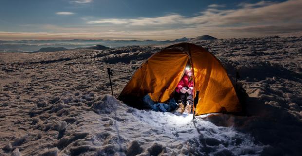 Užitočný a fantastický kurz zimného táborenia. Nezabudnuteľná expedícia v obklopení krásnej rakúskej alpskej prírody.