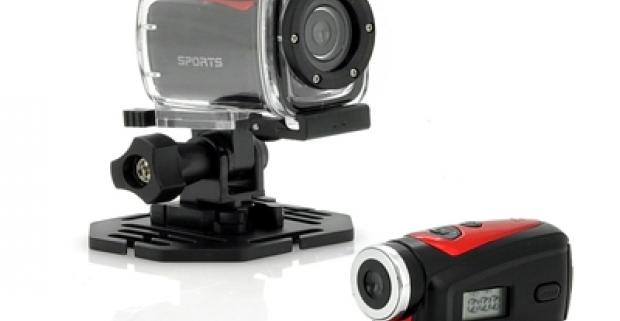 Moderná a kompaktná športová HD kamera. Nahrávajte svoje športové zážitky na svahu, vo vode skrátka kdekoľvek sa nachádzate.