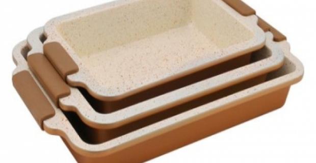 Nepostrádateľný pomocník do kuchyne. Skvelá 3 dielná keramická sada pekáčov so silikónovými rukoväťmi a BIO keramickým povrchom.