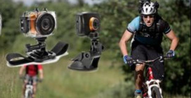 Kvalitná športová HD kamera pre dokonalé zachytenie zážitkov. Kamera je ľahká, má veľa príslušenstva a fotí a natáča až v kvalite 720p.