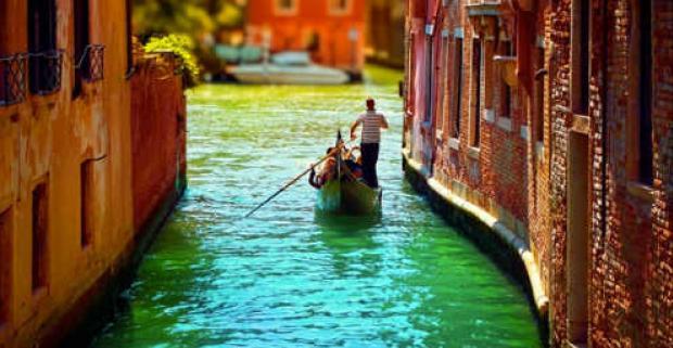 Romantický pobyt pre dvoch na 3 alebo 4 dni v Benátkach v útulnom hoteli Alla Giustizia s raňajkami. Spoznajte mesto zapísané v UNESCO.