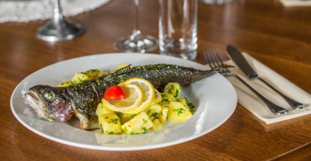 Sviatočné menu v prostredí Bratislavského hradu v reštaurácii Hradná Hviezda. Spravte si slávnostný večer s 3-chodovou večerou.