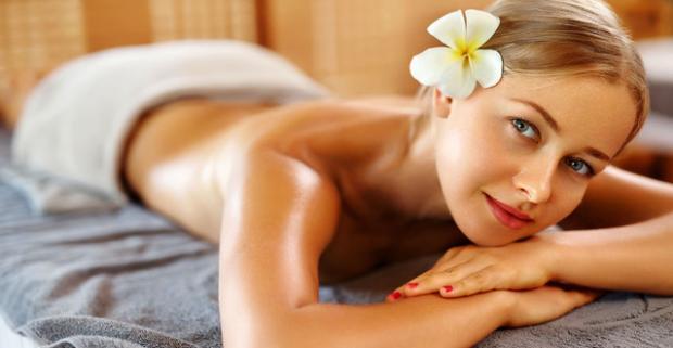 5 vianočných masážnych balíčkov v Ayurasan massages & relax. Nechajte sa unášať vôňou ďalekej exotiky v raji oddychu a relaxu.