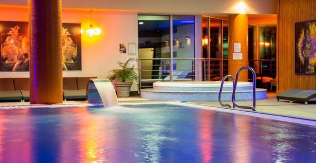 Neobyčajné chvíle plné relaxu. 2-hodinový wellness v Holiday Inn Žilina**** s tradičnou thajskou masážou, či romantickou večerou pri víne.