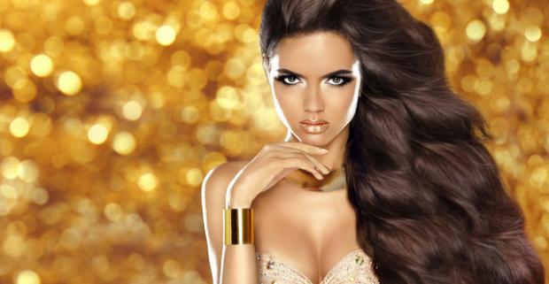 Ktorá žena by netúžila po krásnych vlasoch? Darujte jej poukážku do vlasového štúdia HairStyle a zažiari hneď dva krát.