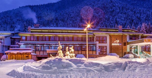 Dokonalá zimná dovolenka uprostred nádhernej prírody v Jánskej doline. Pobyt s neobmedzeným wellness v ALEXANDRA WELLNESS HOTEL***.