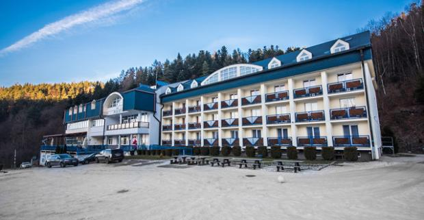 Zima na Plejsoch s oddychom vo wellness alebo zábavou na lyžiarskom svahu. Rodinný zimný pobyt na 2 až 4 dni s polpenziou v Krompachoch.