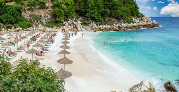 Užite si fantastickú 8 či 11 dňovú dovolenku na slnečnom gréckom ostrove Thassos s ubytovaním a polpenziou v štúdiach len 50 m od mora.