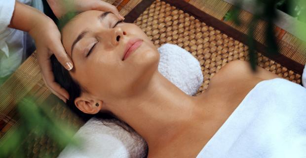 Exotické masážne balíky v Ayurasan massages & relax. Senzuálny zážitok pohladí všetky zmysly a uvoľní celé telo.