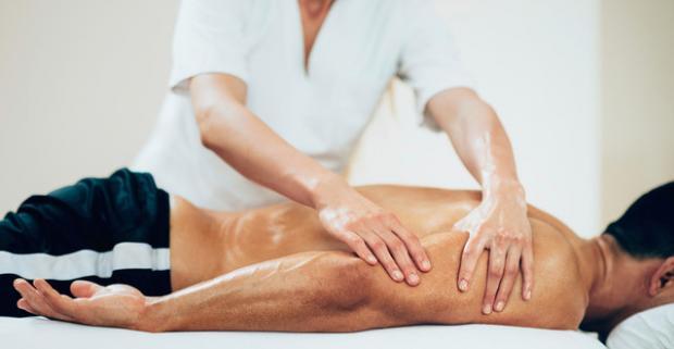 Celotelová masáž - kombinácia klasickej a športovej masáže. Blahodárne účinky presne mierených hmatov uvoľnia vaše svaly a rozprúdia krv.
