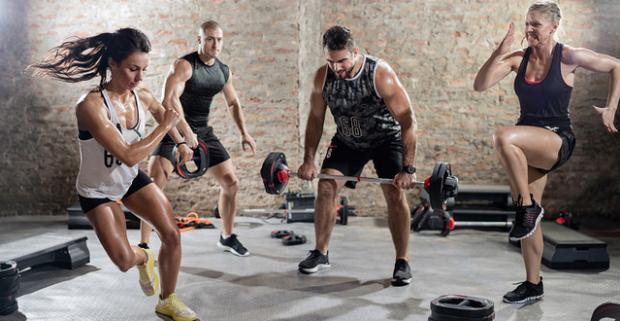 Funkčný tréning je efektívna cesta k zdraviu a peknej postave. Prihláste sa na tréningy s Robom, Natáliou či Mirkom v komplexe Kraton.