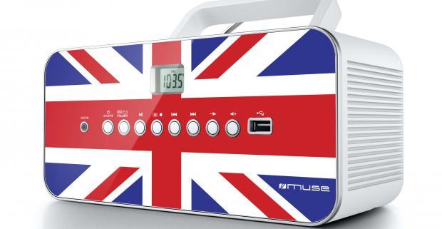 Štýlové prenosné rádio Muse M-28 je vybavené CD/MP3 prehrávačom, ktorý podporuje všetky formáty CD/CD-R/CD-RW/MP3 a USB portom.