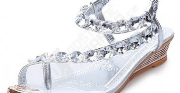 f421251b51ff Dámske sandále s kamienkami - 2 farby