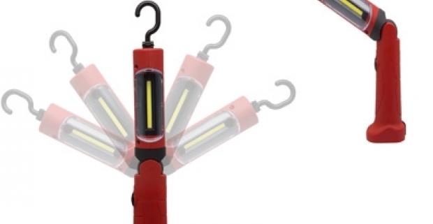 Závesná montážna lampa s otočným hákom, LED osvetlenie. V spodnej časti je zabudovaný magnet, protinárazová ochrana, ergonometrická rukoväť.