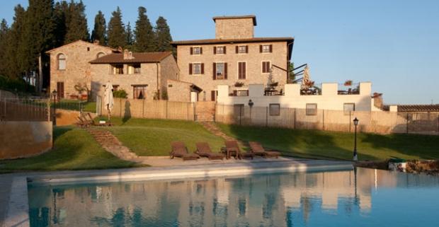 Vyrazte na oddych do Toskánska medzi vinice a olivové háje. Dovolenka vo vile zo 16. storočia vo vinárskej oblasti Chianti s raňajkami.