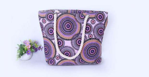Moderné dámske plátené tašky so zipsom. Na kľúče 1fe2dbf025d