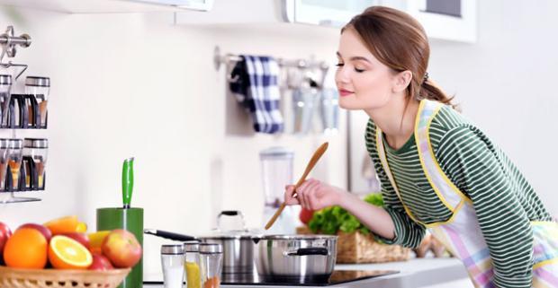 Vyčarujte vo svojej kuchyni chutné jedlá vďaka kvalitnej sade hrncov od značky Royalty Line, Blauman a Zurrichberg.